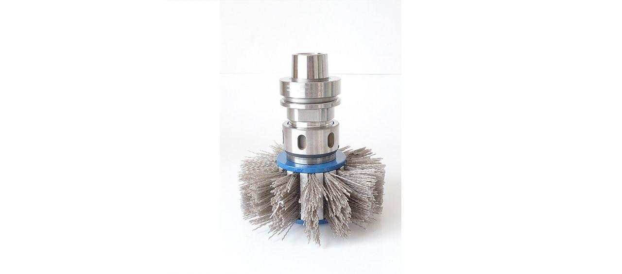 arminius-schleifmittel-produkte-walzenbuerste-zylindrische-buerste-werkzeugzeichnung-slider-4-1